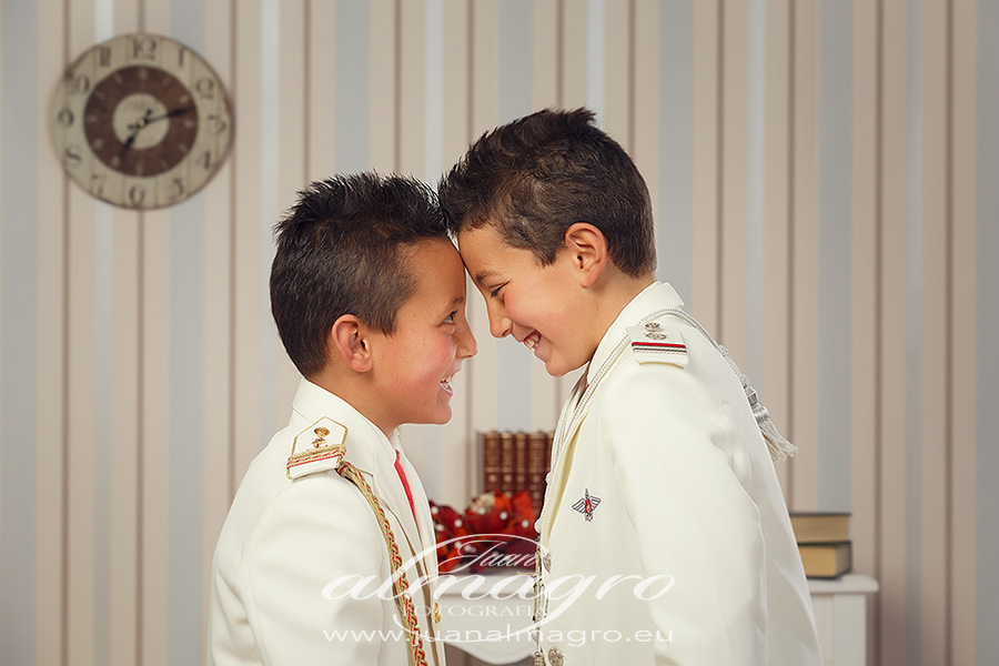 Reportaje de fotos de comunión por Juan Almagro Fotografo de bodas en Jaén