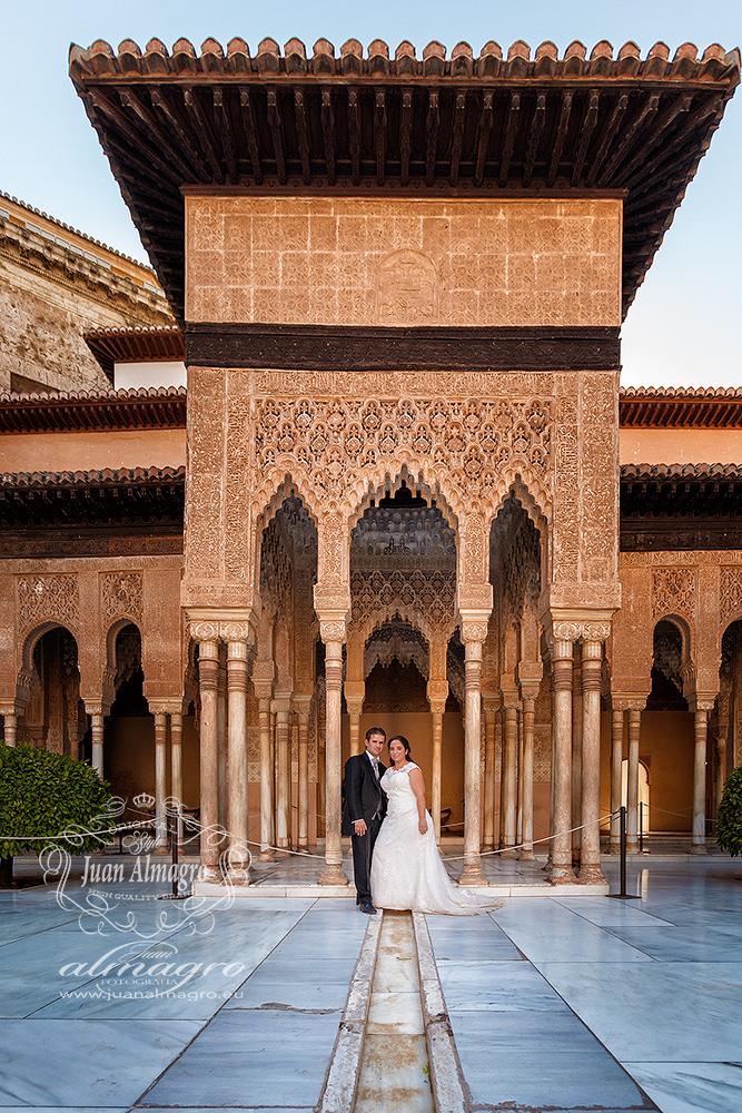 Fotos postboda Patio de los Leones de la Alhambra de Granada
