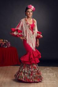 Gema Gomez Sesion de fotos con traje de gitana