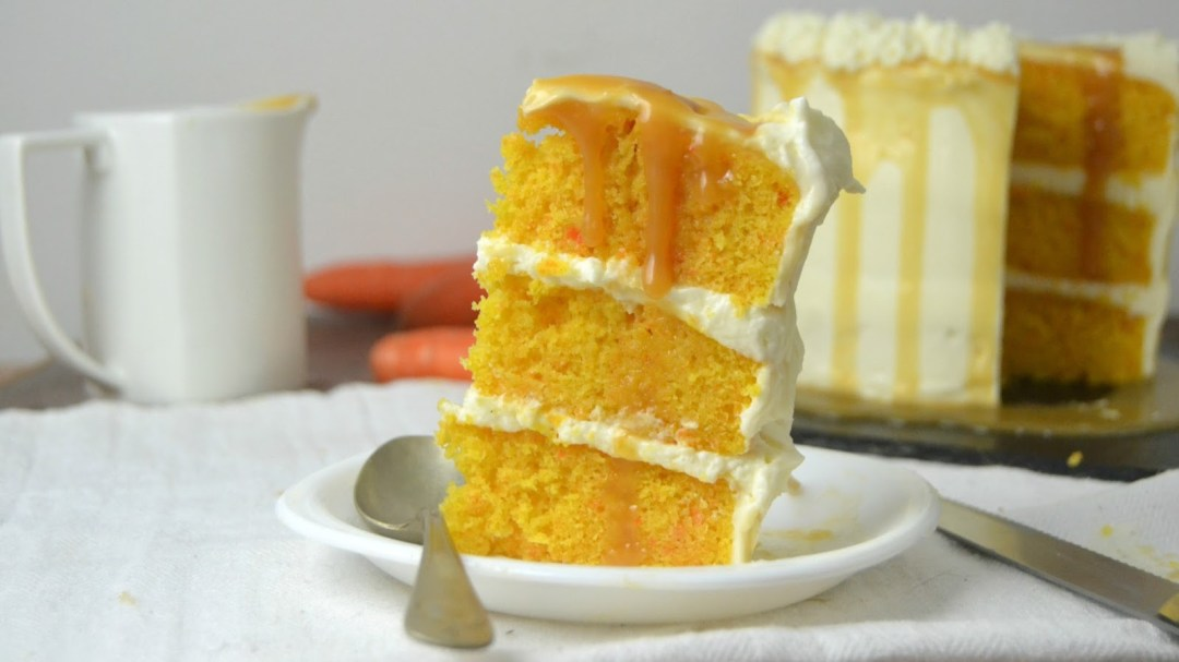 Tarta de zanahoria, mascarpone y caramelo salado