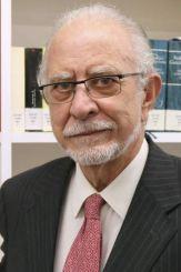 escritor José María Merino