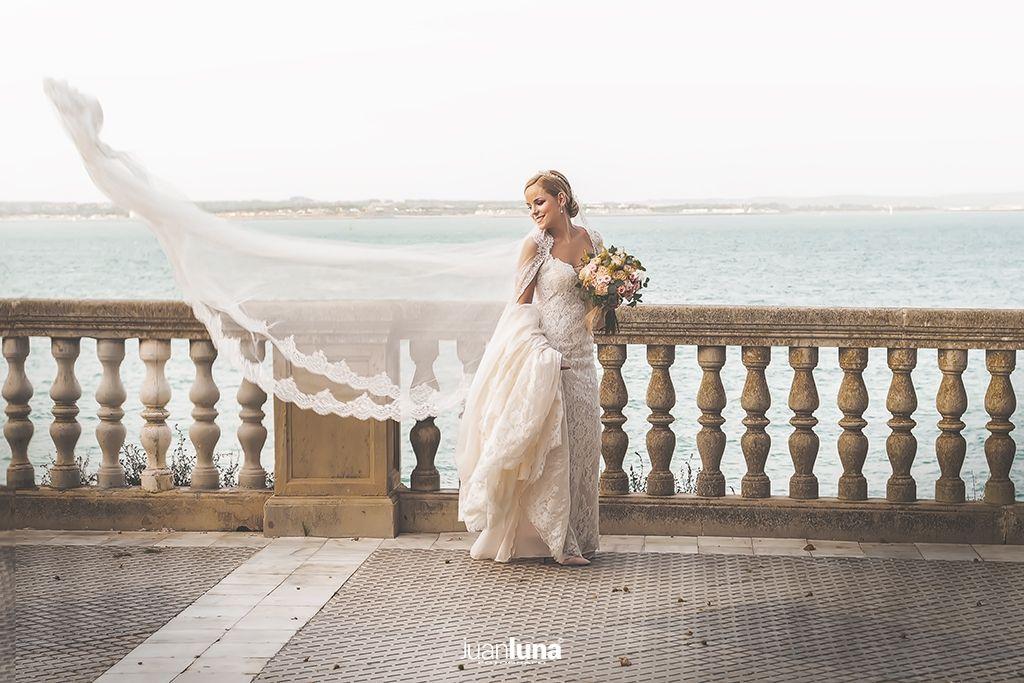 Paseo fotográfico. Pandemic Wedding - El Reportaje de Bodas de Mercedes & Juan