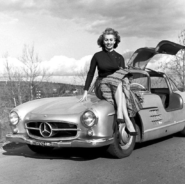 Sophia Loren y su amiga Mercedes.