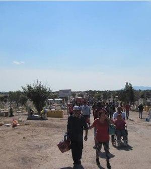 Ofrecerán Diversos Apoyos en Cementerios el Día de Muertos