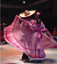 """Presentan """"Folklor Mexicano"""" en Viernes Cultural"""