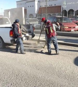 Apoya Dirección de Limpia Labores de Bacheo