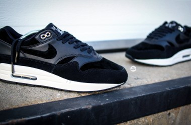 """29bb9bd0068  Review w  on-feet video  The streak continues with Nike Air Max 1 Premium """"Rebel  Skulls"""" of the Skulls Pack"""