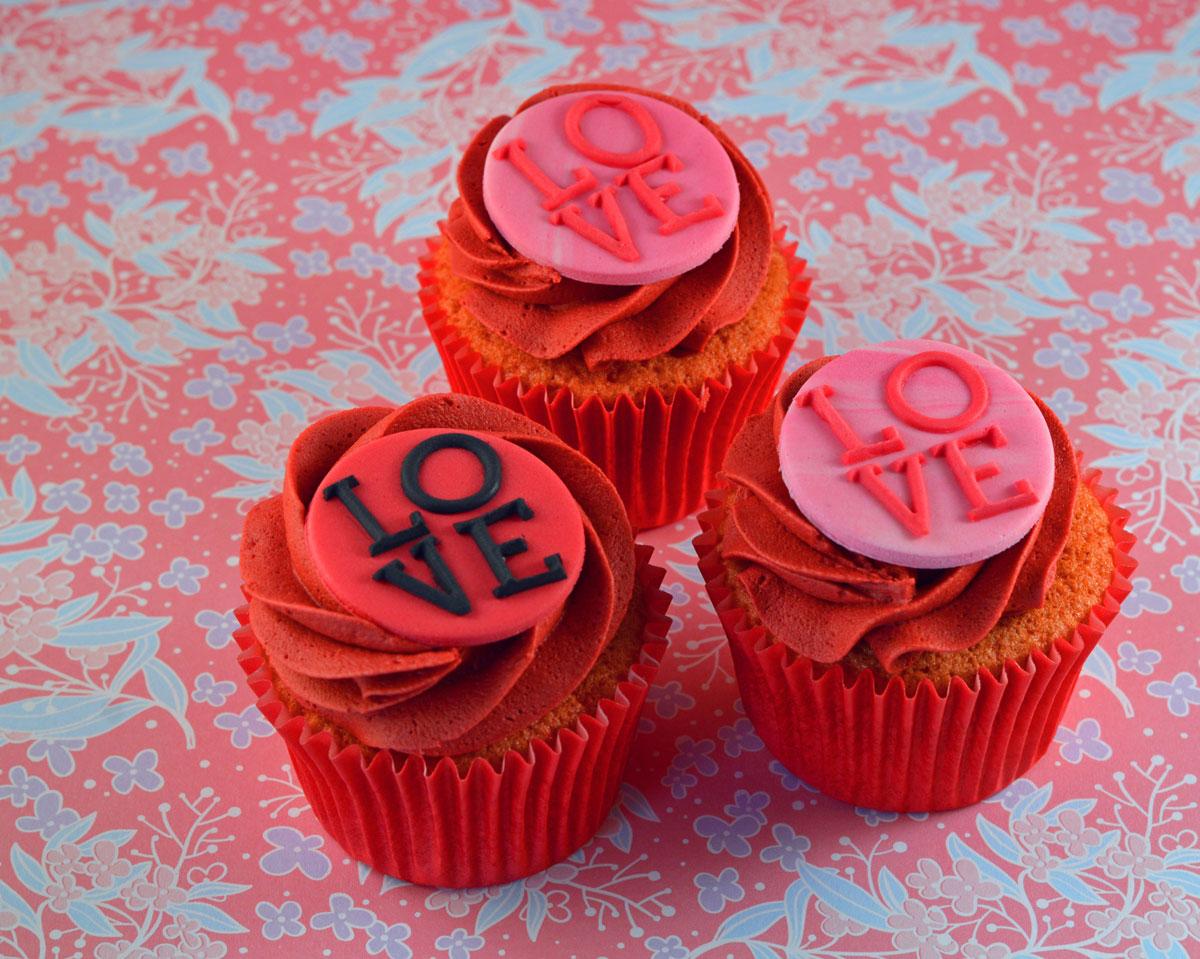 Love-cakes-2