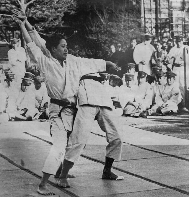 Ozaki Katsuko, Ju no kata, Gifu, 1942 © Kindai Judo magazine
