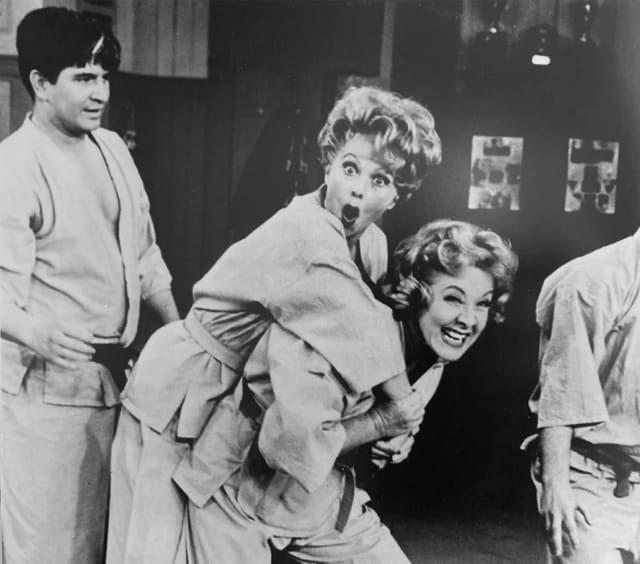 Judô feminino no programa de TV Lucille Ball, 25 de fevereiro de 1963 (EUA) © USJF Archives