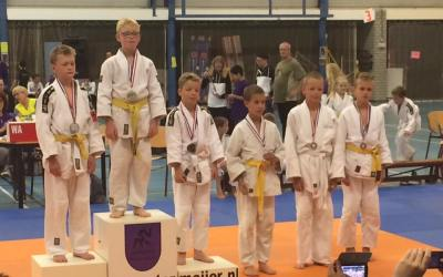 Mirthe Hartman en Tymen Bootsma kampioen in Nieuwe Pekela