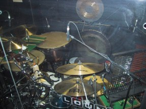 die schöne und das beast - drum set up