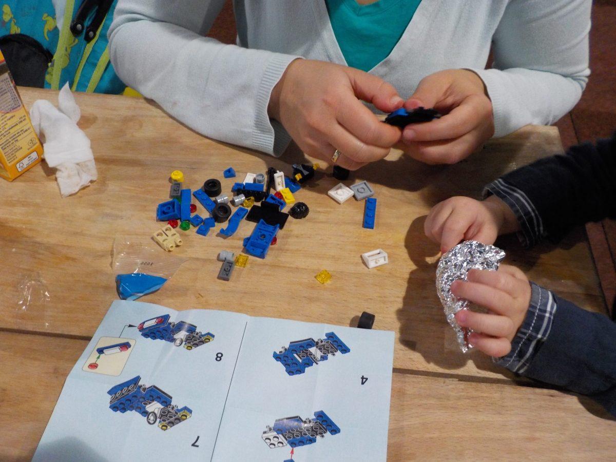 Lego in elkaar zetten