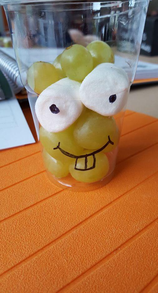 Druiven gezicht traktatie