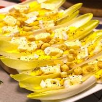 ensalada con mango y queso camembert 1