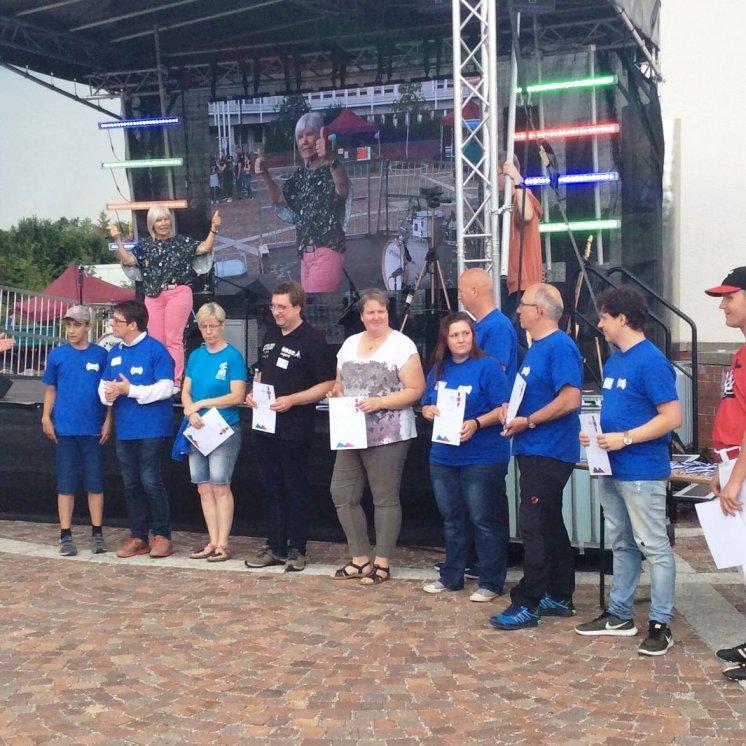 2018_07_21 Games for YOUth inklusives Spielfest Kaufbeuren Verleihung Ehrenamtsnachweis Fotorechte BJR