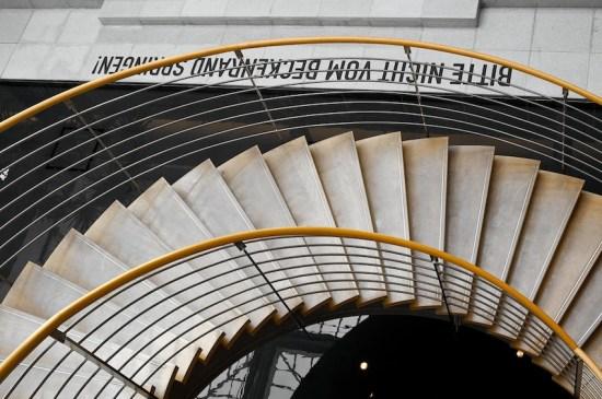 Treppe im Congress Center (mit Aperture 2 bearbeitet)