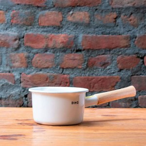 Fujihoro-White-Sauce-pan-with-Wooden-Handle-Buy-in-India