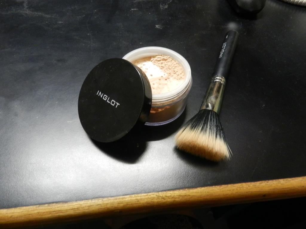 Loose Powder by INGLOT and the magic brush!