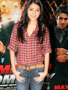 checkered_shirt_anushka_sharma