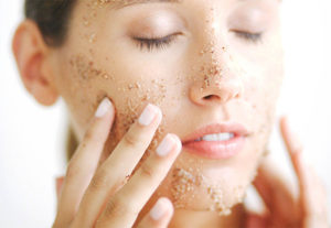 How-to-Get-Pretty-Skin-Naturally-Exfoliation