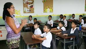 Consecuencias legales por estafa educativa en España.