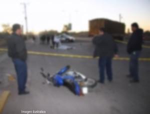 moto choca camion