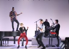 """Goldlink Joins Diplo & MØ for """"Get It Right""""; Performs on 'The Tonight Show'"""