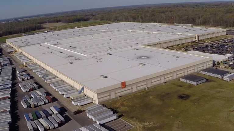 2 People Shot at Nike Distribution Center in Memphis