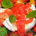 Burrata mit Zitrusfrüchten und Tomaten - Jules HappyHealthyLife