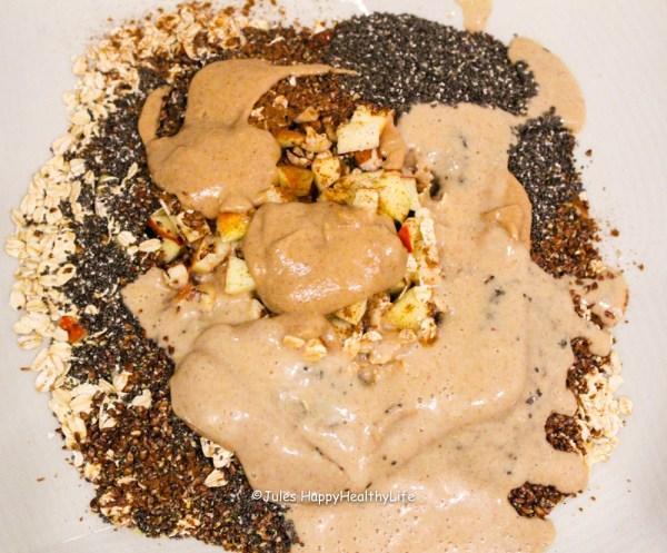 selbstgemachtes-apfel-zimt-granola-rawnola-zutaten-datteln