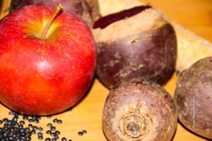 Beluga Linsen Apfel Rote Bete - Jules HappyHealthyLife