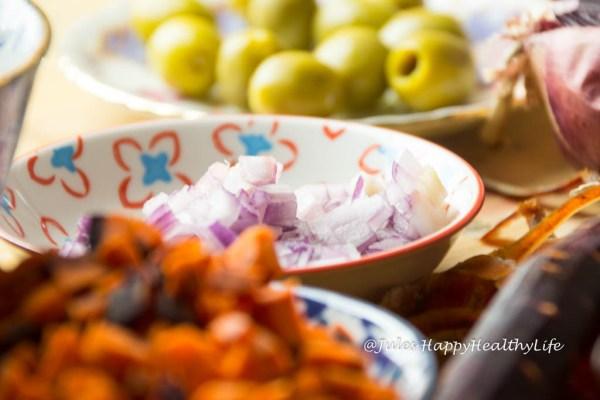 Klein geschnittene Zutaten für Jules HappyHealthyLife glutenfreier Food Blog
