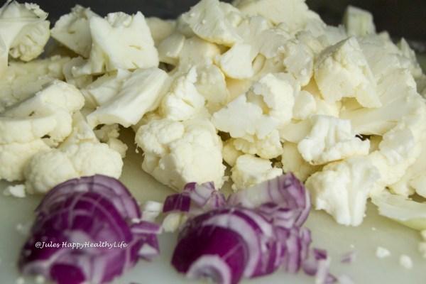Blumenkohl und Zwiebeln für Suppe