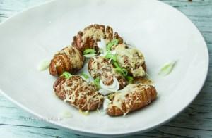 Rezept für vegetarische Hasselback Käse Kartoffeln
