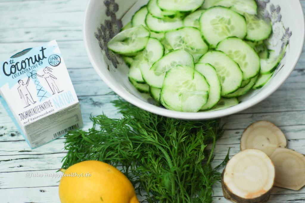 Gurken Dill Salat mit Kokosnuss Joghurt