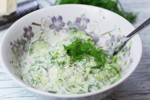 Erfrischender Meerrettich Gurken Dill Salat - Veganes Rezept