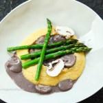glutenfreies, veganes Rezept für Polenta mit cremiger Plizsauce