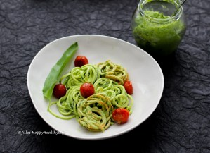 Saisonales veganes Bärlauch Pesto