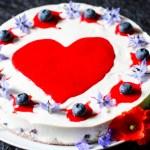 Recipe for vegan, raw, gluten free Lemon Berry Cheesecake
