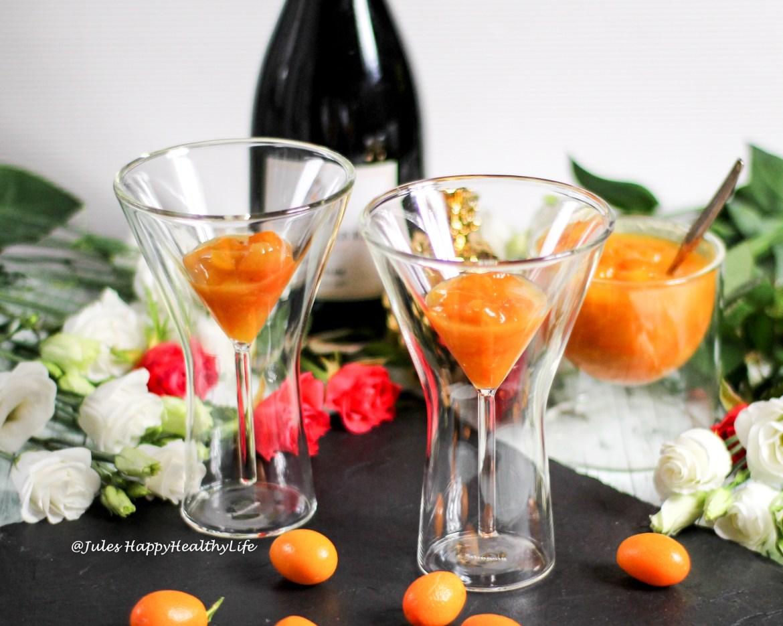Winzersekt mit Gewürzkumquats als Aperitif
