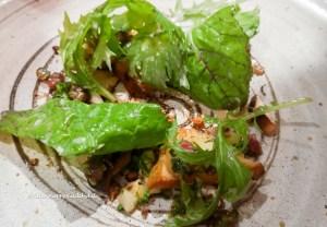 Dekonstruierter Waldorf Salad mit Beef Tatar und Trüffel