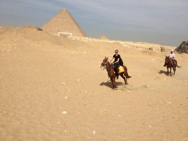 Visite des pyramides à cheval