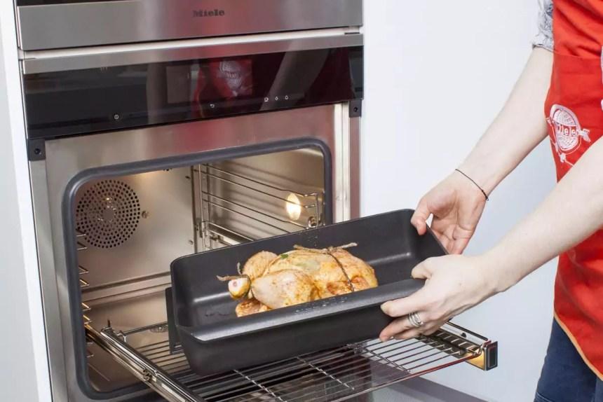 In den Ofen schieben