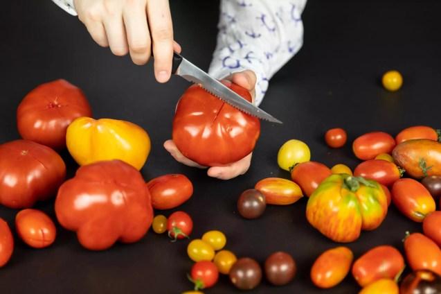 Tomaten anschneiden