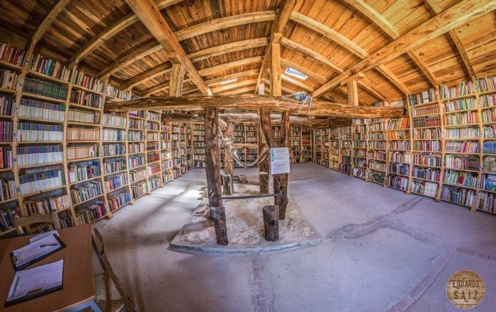 Biblioteca El Potro Quintanalara Burgos Bookcrossing