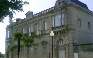 Biblioteca Pública de Castropol Menéndez Pelayo