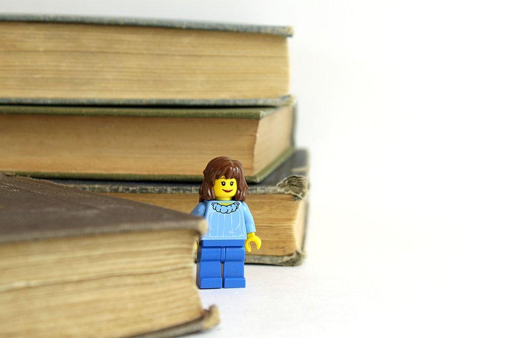 12 bibliotecas con piezas de LEGO que te encantaría tener en casa