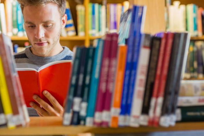 En España hay un total de 4.649 bibliotecas públicas y que reciben 110M de visitas anuales