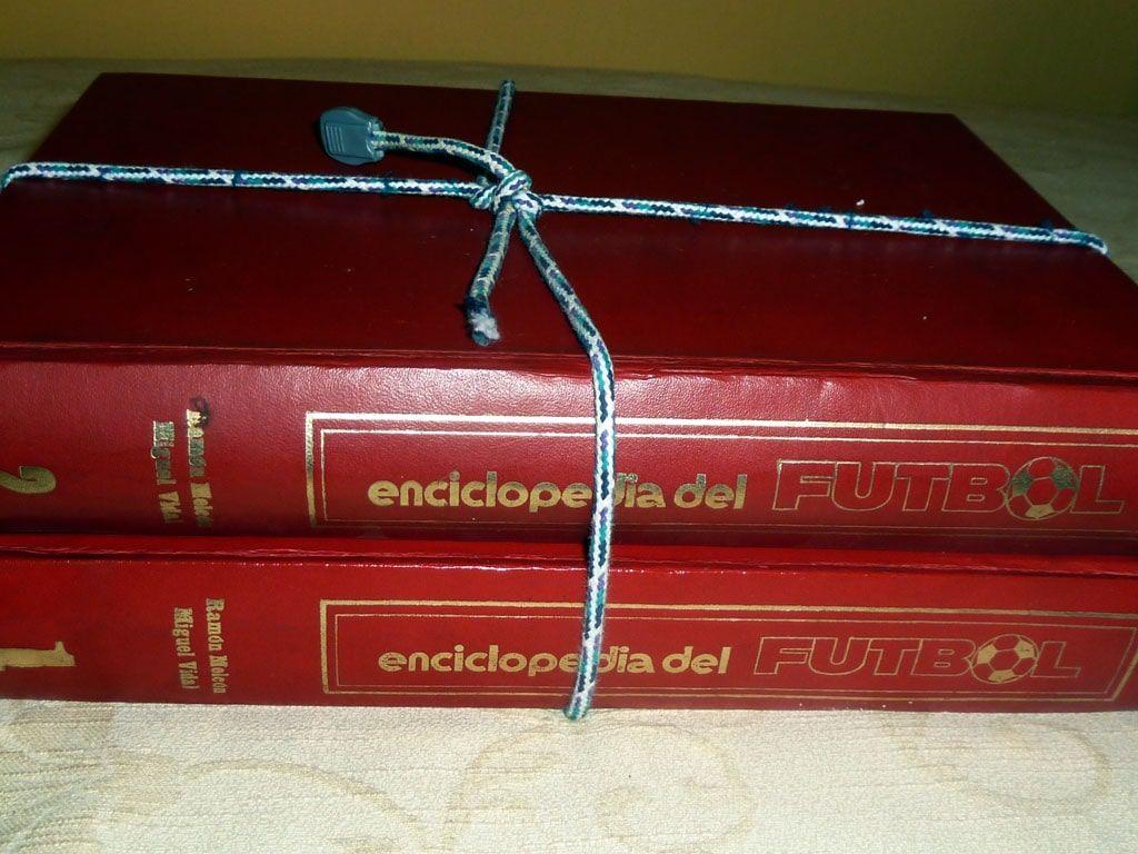 """""""Enciclopedia del Fútbol"""" by Nacho (CC BY 2.0)"""